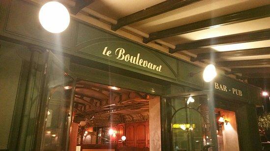 Le Boulevard: TA_IMG_20160812_233220_large.jpg