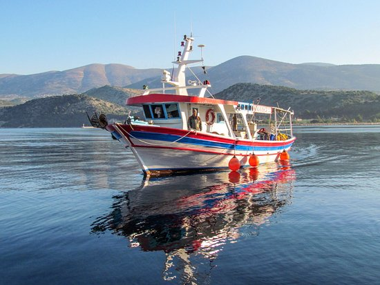 "Svoronata, Grecia: Fishing Tourism in Kefalonia ""Michalis"""