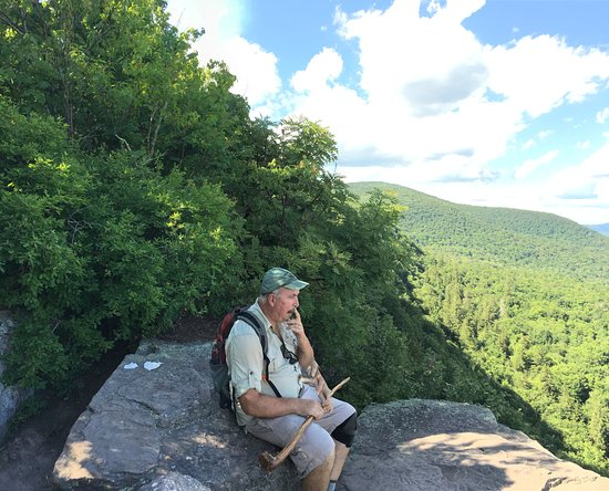 Big Indian, estado de Nueva York: The view from the Giant Ledge and a good place to rest on the way to Panther Mt