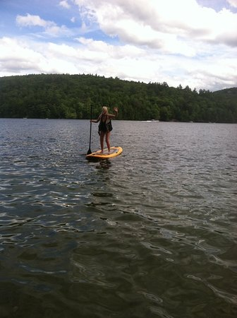 Boulders Motel & Cottages: On Squam Lake with Boulders paddle board!