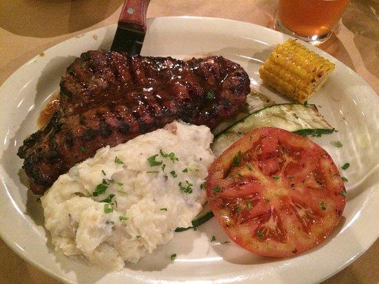 Raven Grill: Steak dinner