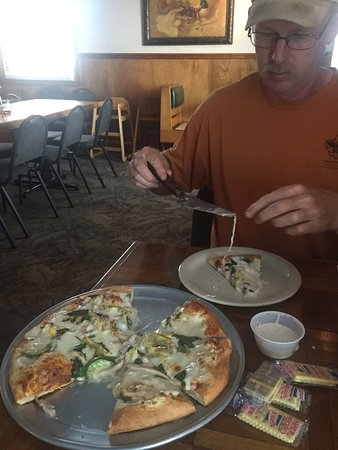 Huntsville, AR: Awesome chicken Alfredo pizza!!!