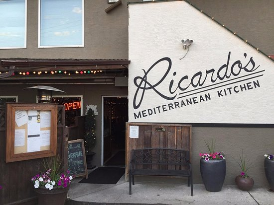 Ricardo's Mediterranean Kitchen: The exterior.