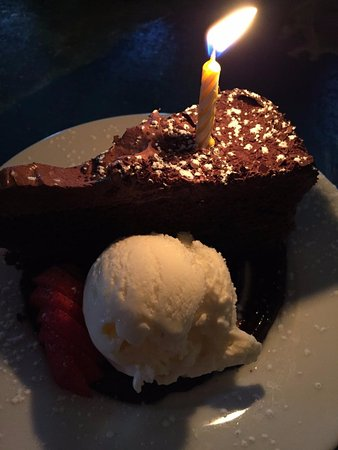 Ricardo's Mediterranean Kitchen: Cake for the birthday girl!