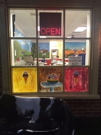 Onley, VA: Front window