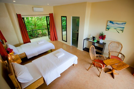 Boljoon, Filipinas: Twin Room with Pool View