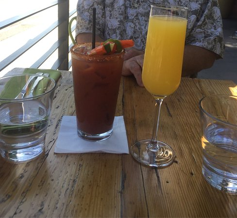 Sutter Creek, Califórnia: Bloody Mary and Mimosa