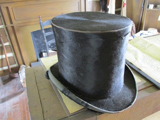 Rock Island, IL: Beaver fur hat, Davenport House