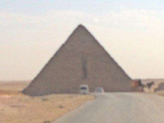 Kefre, the second pyramid: desde la combi