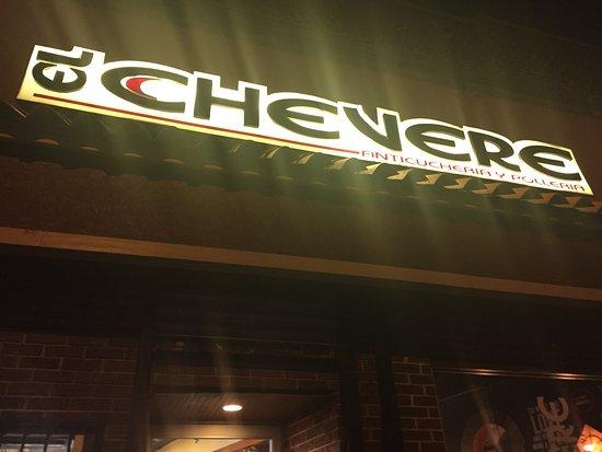 Passaic, NJ: Fachada del restaurante El Chevere
