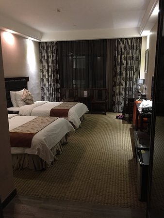 Fenghuang Garden Holiday Hotel