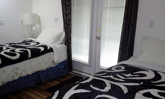 Whitney, Canada: Room 2 beds