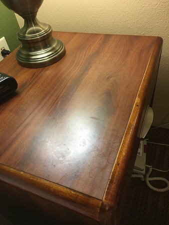 Extended Stay America - St. Louis - Earth City: unclean table