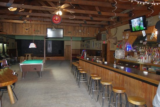 The Outlaw Cafe & Outlaw Saloon: Early afternoon on a weekday