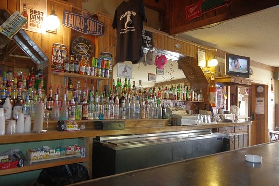 The Outlaw Cafe & Outlaw Saloon: Back bar