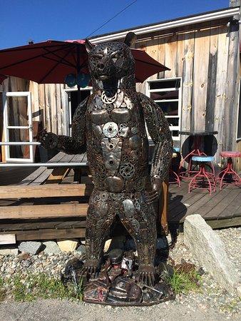 Bethlehem, Nueva Hampshire: Great metal sculptures, Too