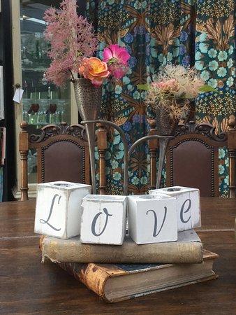 Bloomsburys restaurant biddenden omd men om for Love on the terraces