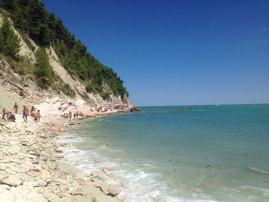 """una spiaggia meravigliosa abbiamo soggiornato ai bagni """"da silvio, Disegni interni"""