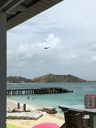 Plane Coming in to Grand Case Airport