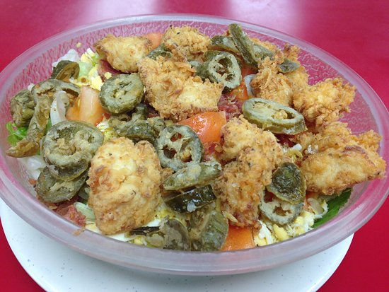 Glenpool, โอคลาโฮมา: Fried Chicken Salad with battered jalapeños. TDF!