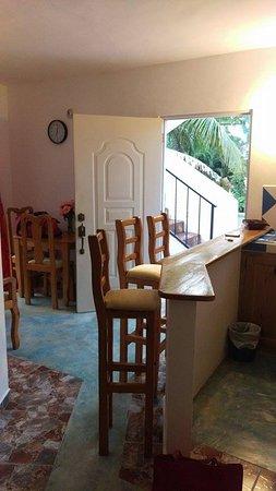 House Jardin Del Caribe : inside the kitchen