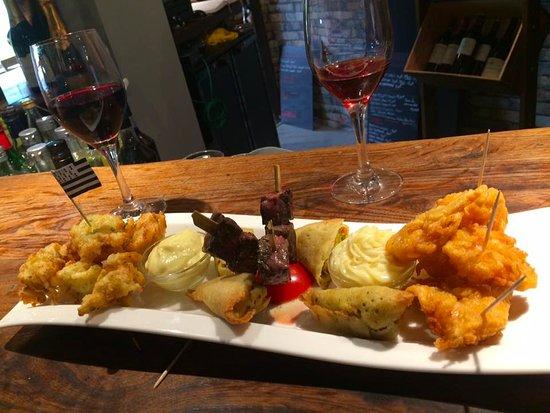 Aux Cepages Gourmands: apero tapas