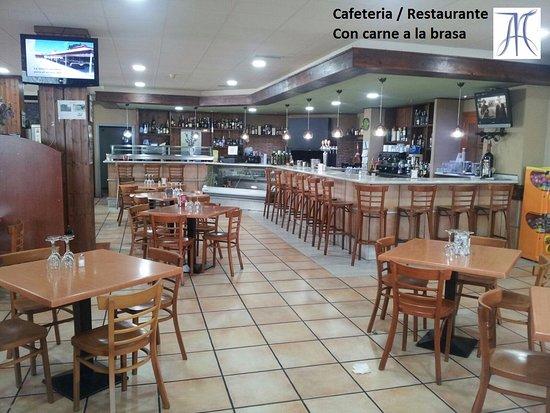 Almassora, Espanha: Foto de la parte delantera del restaurante.