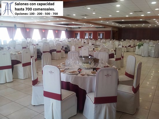 Almassora, Испания: Parte de los grandes salones ubicados en la parte de atrás del restaurante para grandes eventos.