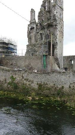 Askeaton, Ιρλανδία: 20160812_110348_large.jpg