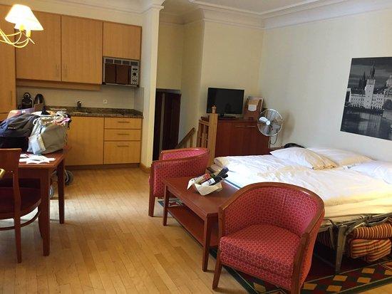 soggiorno con divano letto dopppio - Bild von Hapimag Resort Prague ...