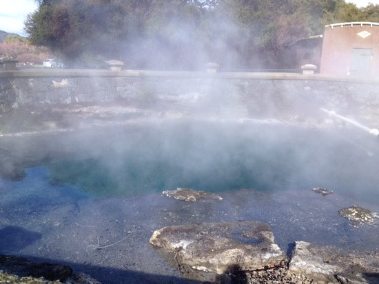 Rotorua District, Nya Zeeland: changing colours in the pool