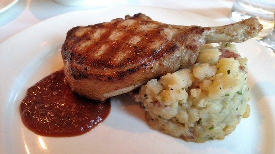 Granite Restaurant and Bar: Pork Chop