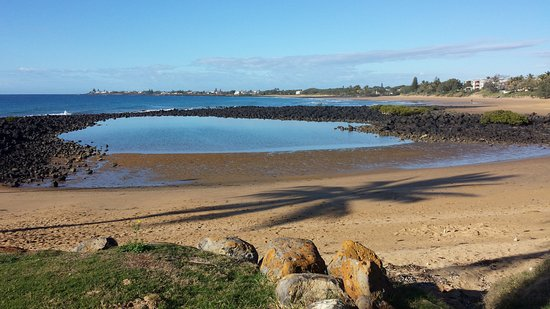 Bargara, Australia: The Basin looking south towards Kellys Beach