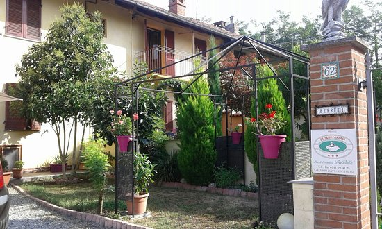 Bed & Breakfast La Valle: Tranquillita' tra il verde  ed i fiori