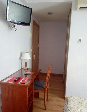 Hotel Hispania: IMG_20160813_120503_691_large.jpg