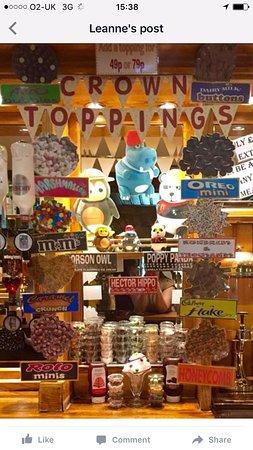 Great Harwood, UK: Ice cream toppings