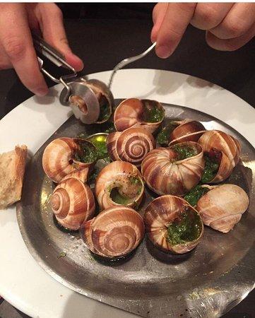 Photo of French Restaurant Au Doux Raisin at 29 Rue Descartes, Paris 75005, France