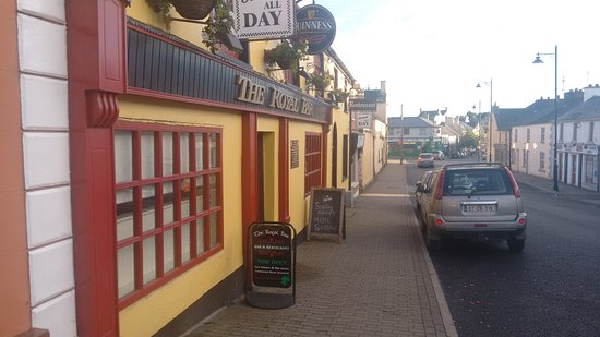 Ballyjamesduff, Ireland: The Royal Bar