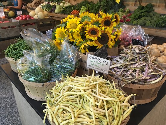 Plainfield, NH: Edgewater Farmstand
