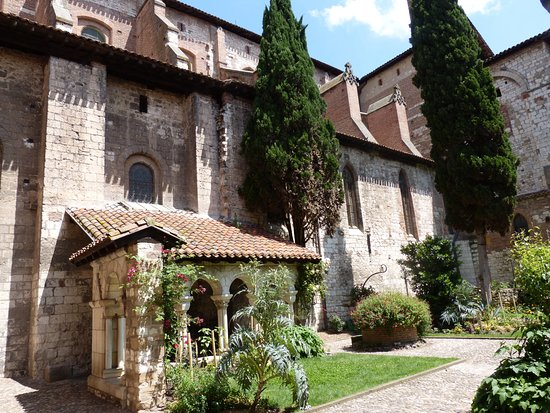 Cloitre de la Collegiale Saint Salvy