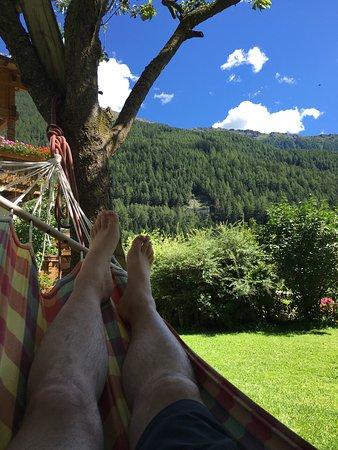Val di Vizze, Italië: Il giardino è puro relax