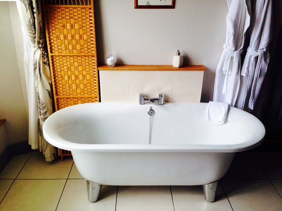 Bishops Castle, UK: Free Standing Bath