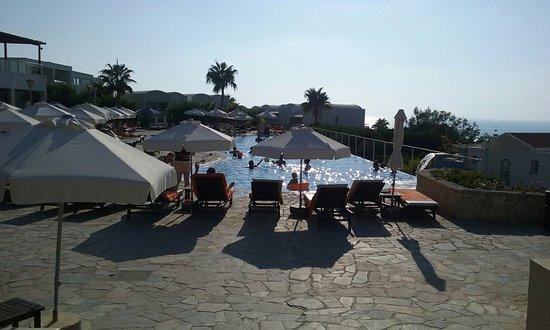 Theo Sunset Bay Holiday Village: 20160810_172714_large.jpg