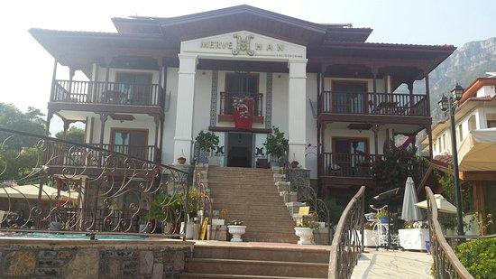 Mervehan Residence