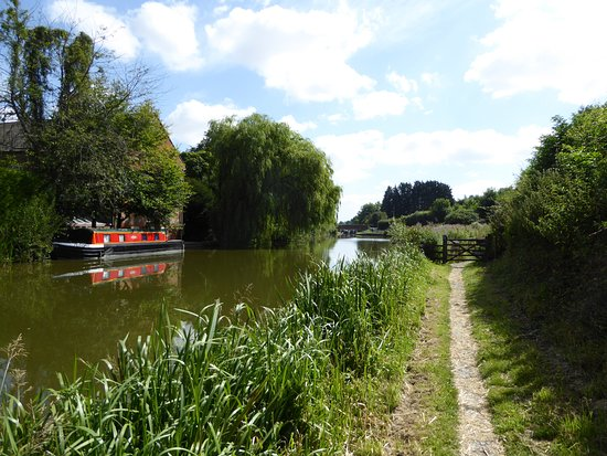 Kennet & Avon Canal: Near Hungerford