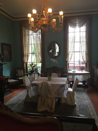 The Parisian Courtyard Inn: photo4.jpg