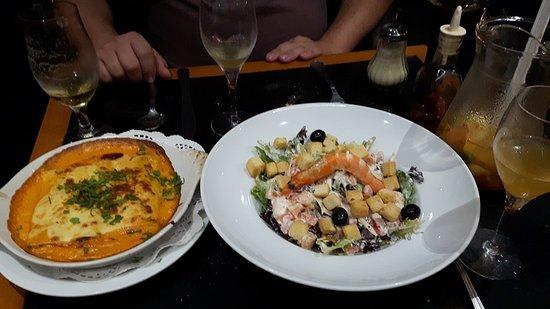 Napoli : Salada e massa