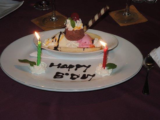 Een Verjaardag Verrassing Picture Of Alise S Restaurant Sanur