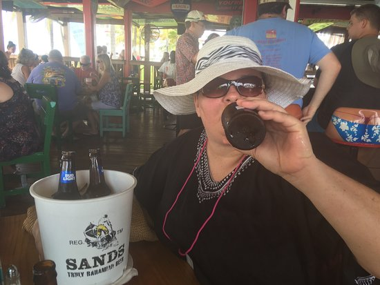 Senor Frog's Freeport: Enjoying a cold beer and beautiful day in freeport