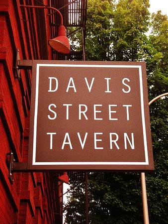 Davis Street Tavern